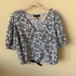 NWOT! Eloquii crop floral printed blouse #504